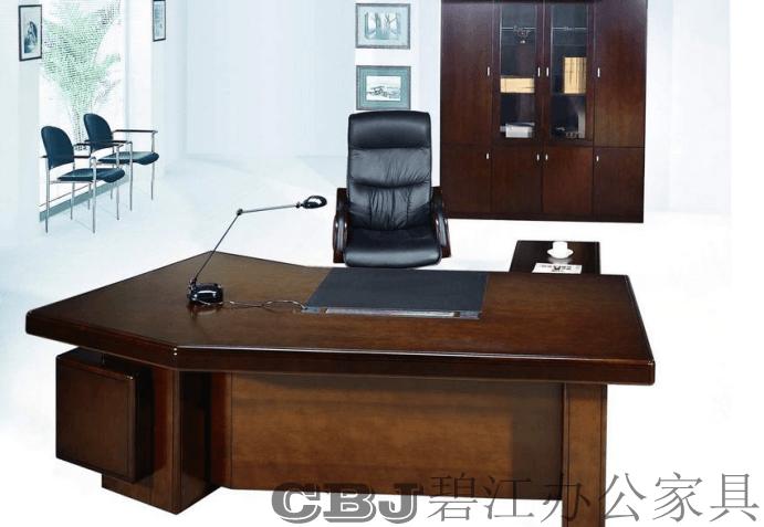 屏风办公桌的安装步骤和注意事项?