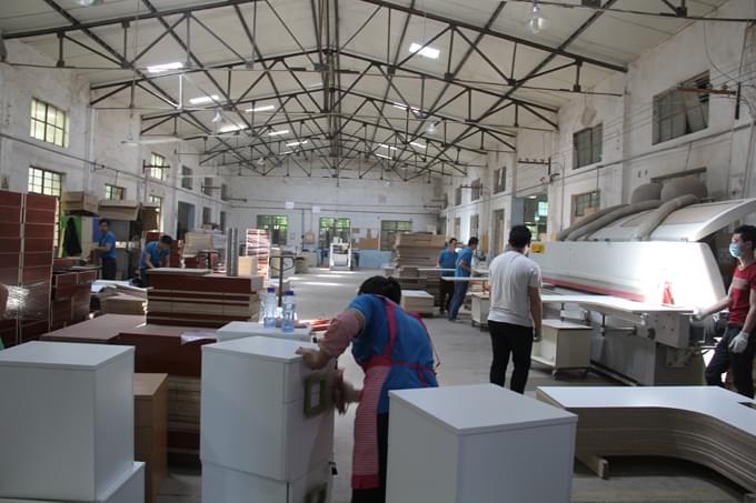 碧江工厂胶板二部生产现场一角